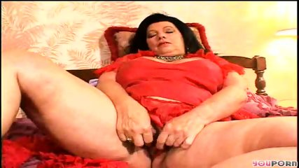Granny fingers her pussy for you - scene 1
