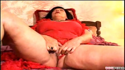 Granny fingers her pussy for you - scene 6