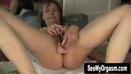 Gorgeous Natalia Toying Her Snatch - scene 8
