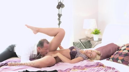 Glam Young Mom Pounded Hard - scene 3