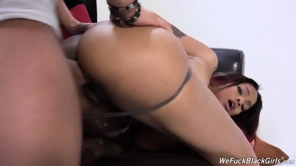 Ebony Whore Rammed Hard On Couch