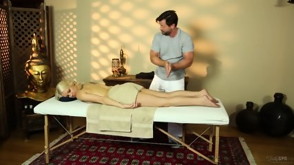 Blonde Chick Banged During Massage - scene 4