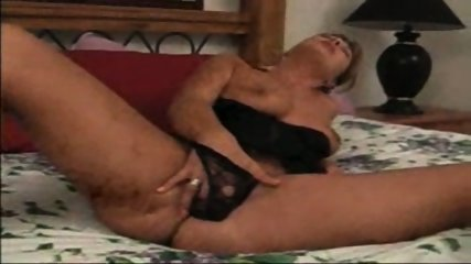 Sandy plays with her pussy - scene 11