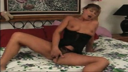 Sandy plays with her pussy - scene 5