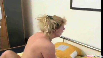 Maure blonde's bathtime 4/5 - scene 12