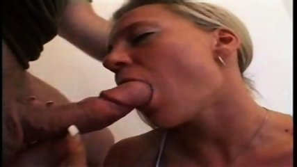 German Bigtit-Chick blowing