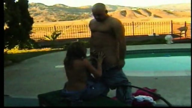 Pool Fuck with young girl 1/4