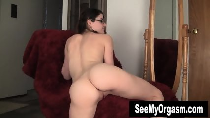 Geeky Lux Toying Her Twat - scene 1