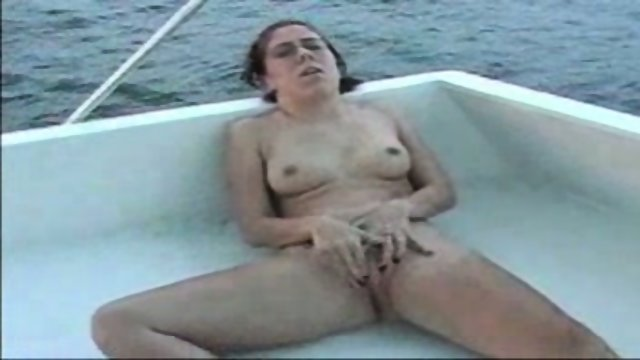 SHANNON DIDDLES ON A BOAT