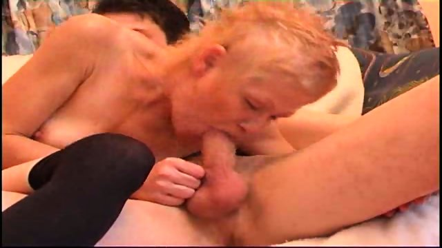 mature lets guy bang her hairy pussy