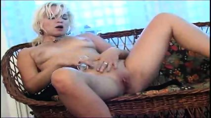spread those legs and show your pussy - scene 12
