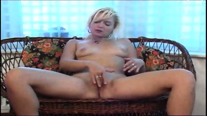 spread those legs and show your pussy - scene 3
