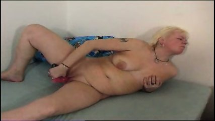 Chubby mom plays with her chubby pussy - scene 3