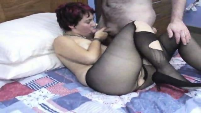 Raven in pantyhose gets banged