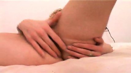 Lezzie buries her face in lover's beautiful ass - scene 8