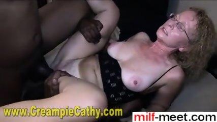 Find Her On Milf-meet - Milf Gets Anal Creampie From 2 Bbc