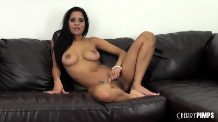Brazilian Babe Abby Live - scene 3