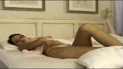 Beth masturbates - scene 12