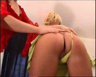two hot dykes - scene 2