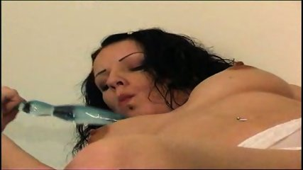 girl in white underwar plays with her cunt - scene 2