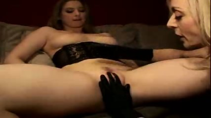 Pussy eating lesson - scene 8