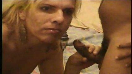 Shemale and the Customer - Travesti e o Cliente - scene 12