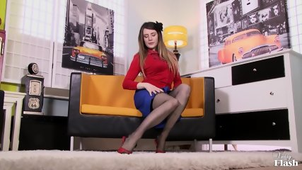 Sexy Vintage Babe Shows Pussy - scene 1