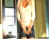 Sandee Westgate uses 3 fingers to cum - scene 3