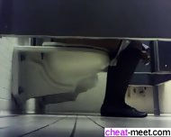 Find Her On Cheat-meet - College Girls Toilet Spy