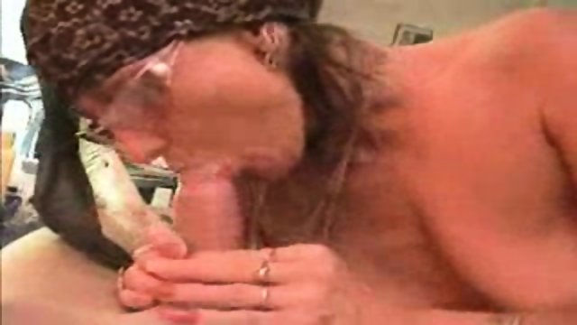 40 years old milf suck 20 years old cock(facial)