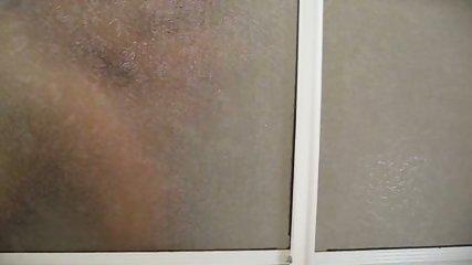 Follando bajo la ducha - scene 8