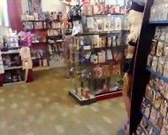 Sexy Shop Adamo ed Eva di Cremona - scene 2