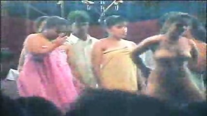 Indian Sexshow #1 - scene 12