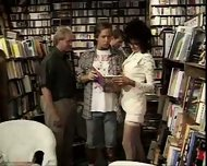 Vanessa - One night at the bookstore part1 - scene 8