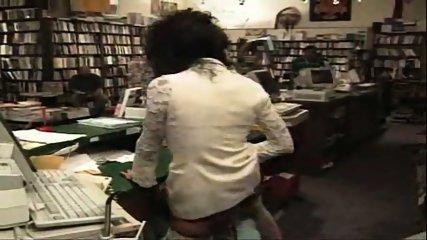 Vanessa - One night at the bookstore part1 - scene 11