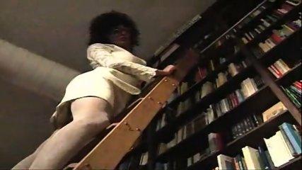 Vanessa - One night at the bookstore part1 - scene 2