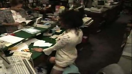 Vanessa - One night at the bookstore part1 - scene 5