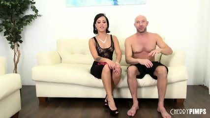 Babe Mia Fucking Live - scene 1