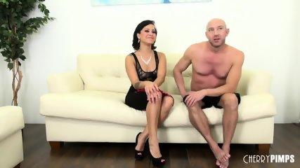 Babe Mia Fucking Live - scene 4