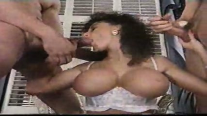 Sarah Young loves Cum - scene 9