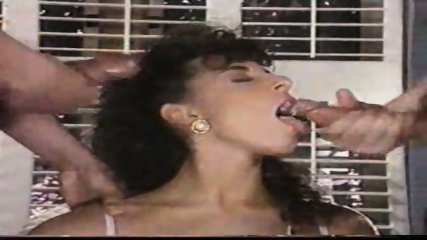 Sarah Young loves Cum - scene 10