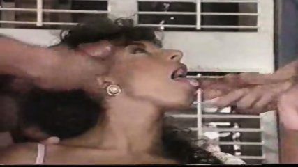 Sarah Young loves Cum - scene 11