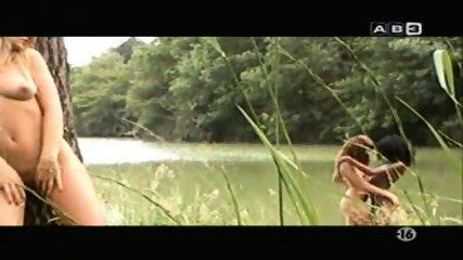 tres nanas - scene 2