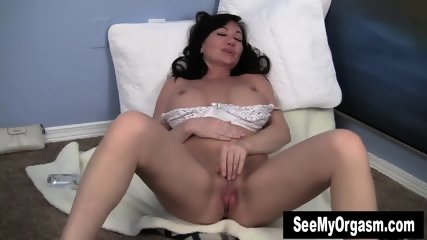 Sweet Milf Leah Masturbating