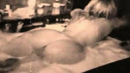 Bathtub Lesbians - scene 9
