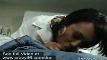 Doctor takes temperature of dick with her mouth - scene 7