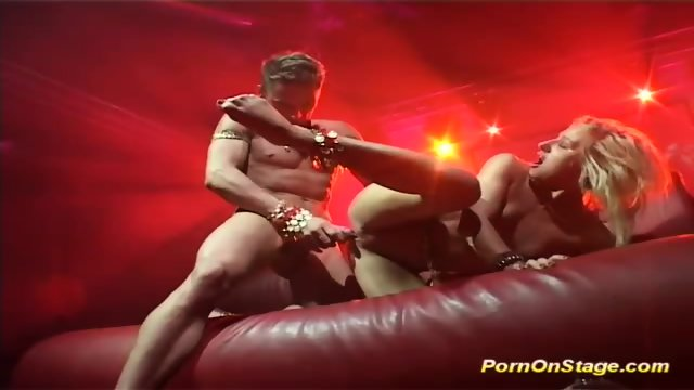 Flexi Acrobatic Sex On Public Stage