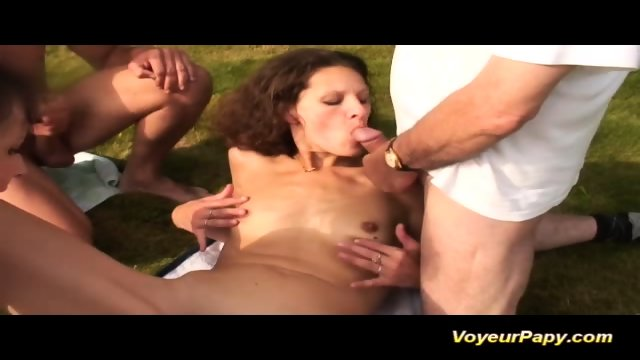 Voyeur Papy Loves Outdoor Groupsex