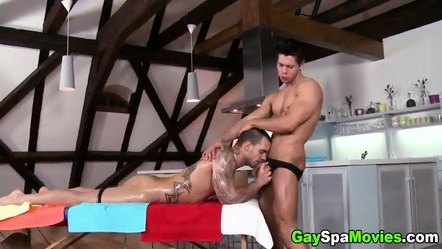 Muscled Hetero Dude Ramming Gay