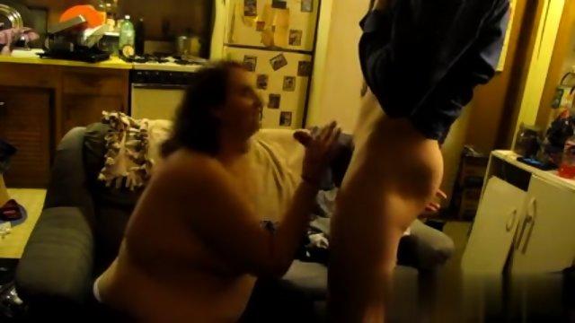 Bbw sucks dick